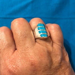 Silver(925) Sz 8 Ring w/ Turquoise colored inlays.
